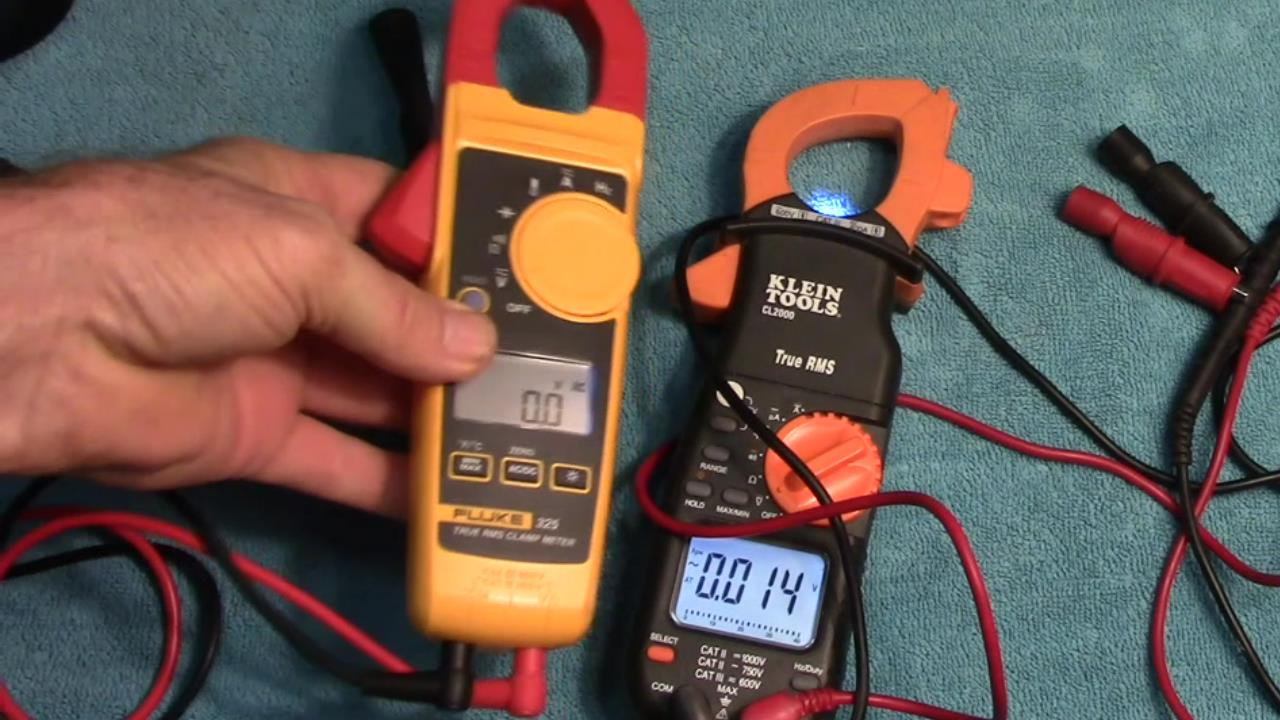 Fluke 325 vs Klein CL2000 TRMS AC/DC Clamp Meter Comparison