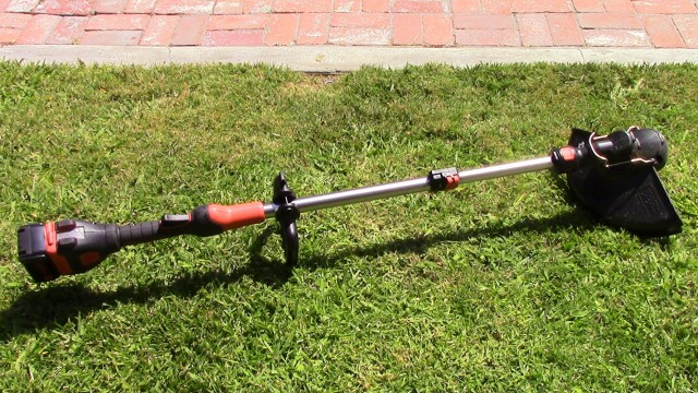 Brushless Black & Decker 40 Volt String Trimmer Review (LST540)