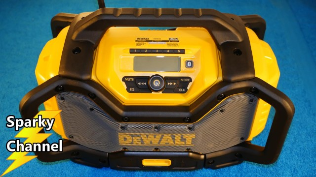 DeWalt DCR025 Bluetooth Radio and Battery Charger