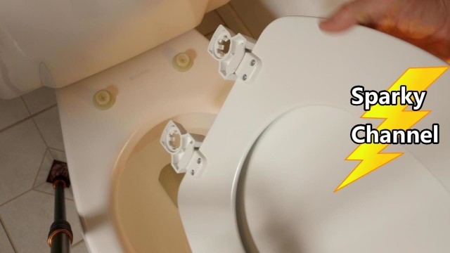 Bemis Easy Clean and Change Toilet Seat Installaton