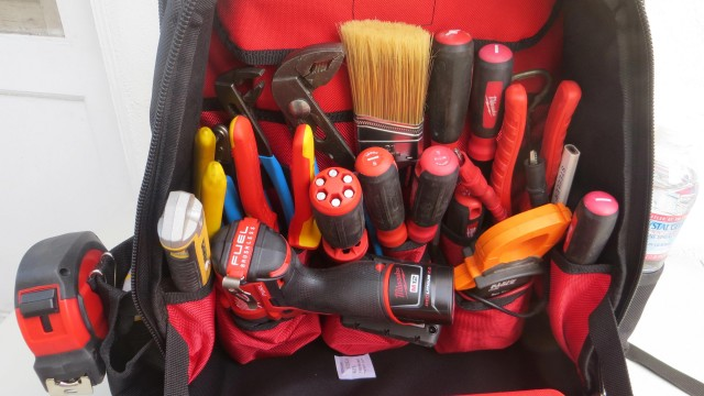 Milwaukee Jobsite Backpack 48-22-8200 Review and Tool Organizing Demo